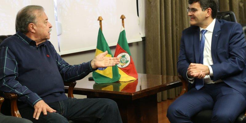 Petry e presidente da APEX