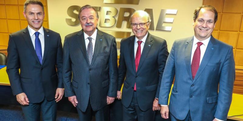 Gilberto Porcello Petry toma posse como presidente do Conselho Deliberativo do Sebrae-RS