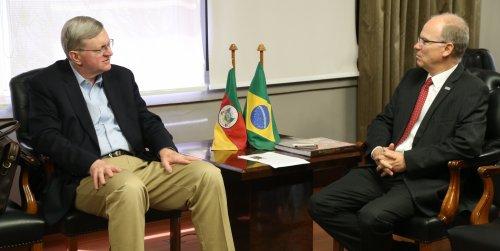 Nestor Forster (E) e Cezar Müller conversaram sobre a relação comercial com os EUA